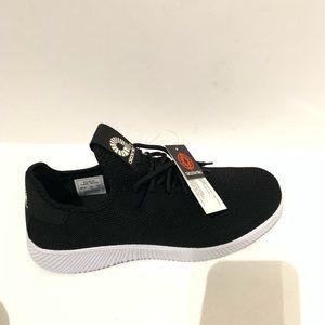 Akademiks Black Pulse Sneaker - Men size 10